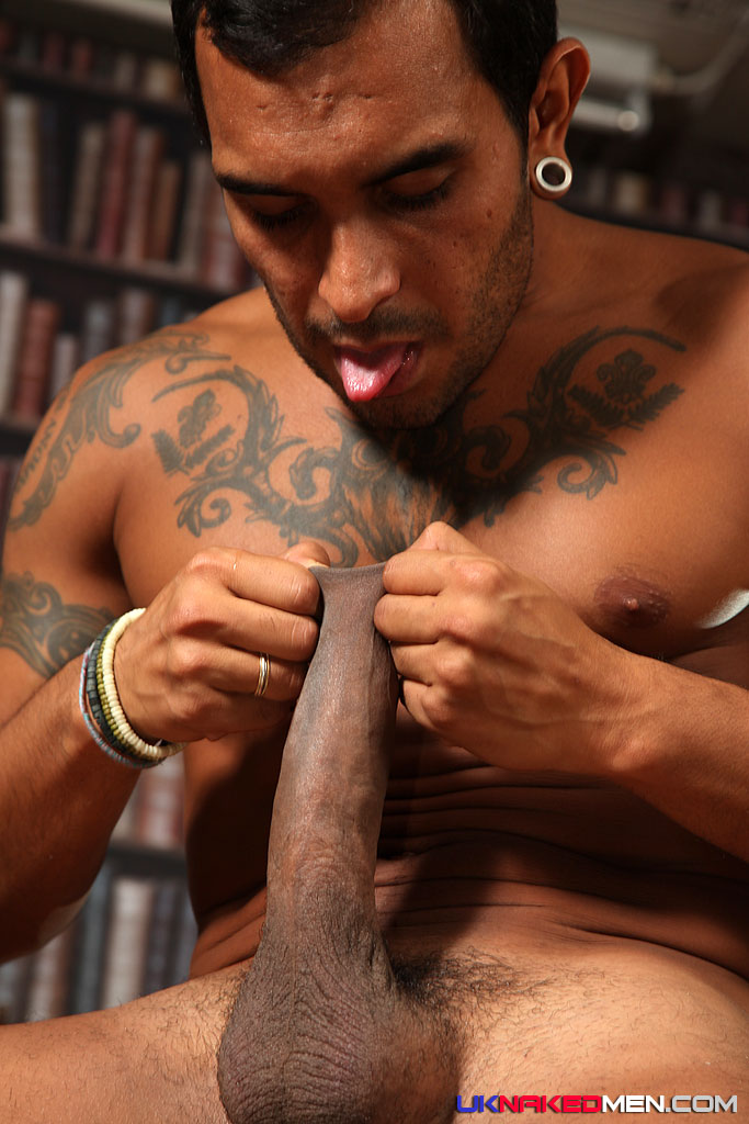 UK-Naked-Men-Lucio-Saints-and-Tyson-Tyler-Huge-Uncut-Cock-Fucking-03 Lucio Saints Pounds A Tight Amateur Black Ass With His Huge Uncut Cock