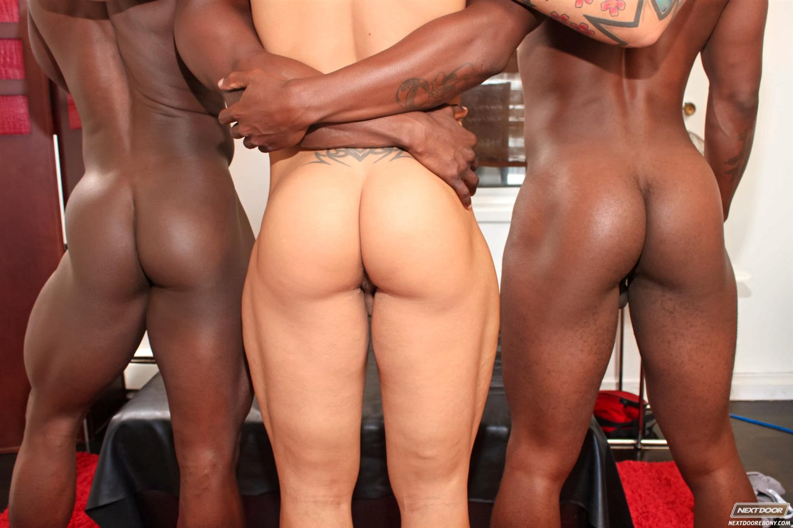 Next-Door-Ebony-Jordano-Santoro-and-Jay-Black-and-Damian-Brooks-Interracial-Gay-Fucking-Threeway-Amateur-Gay-Porn-05 Interracial Muscle Couple Picks Up A Black Muscle Stud In The Park
