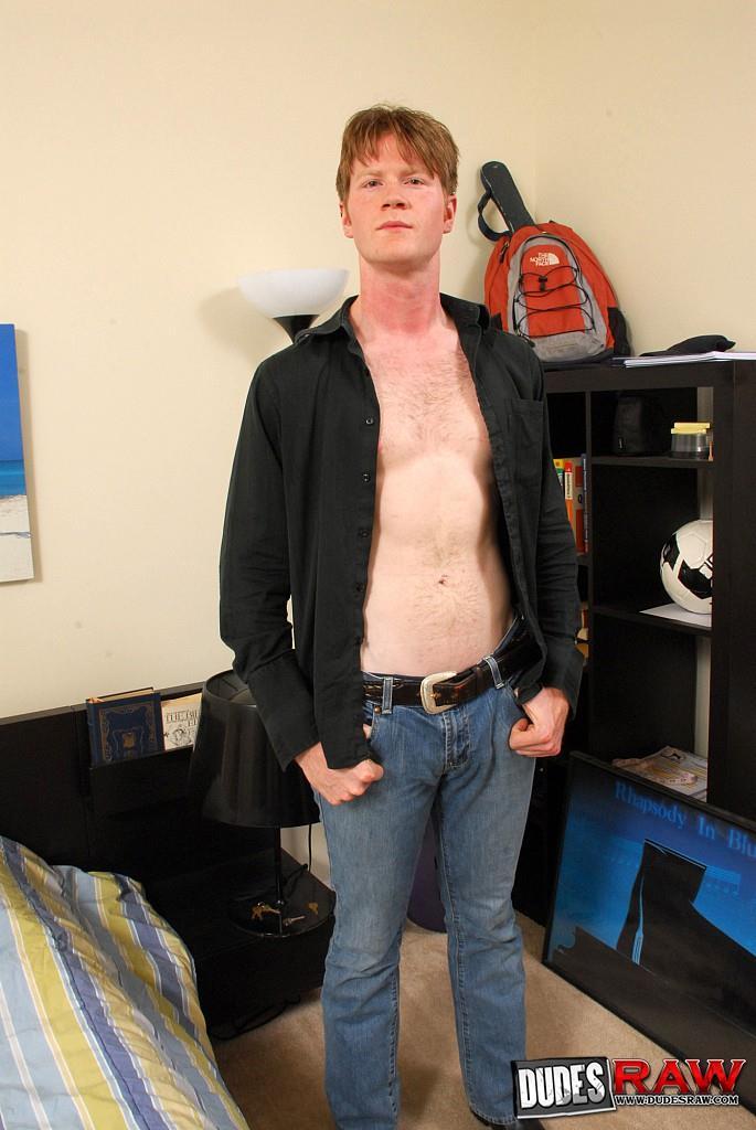 Dudes-Raw-Bradley-Wood-and-David-Gibbs-Redhead-Gets-Fucked-Bareback-Amateur-Gay-Porn-001.jpg
