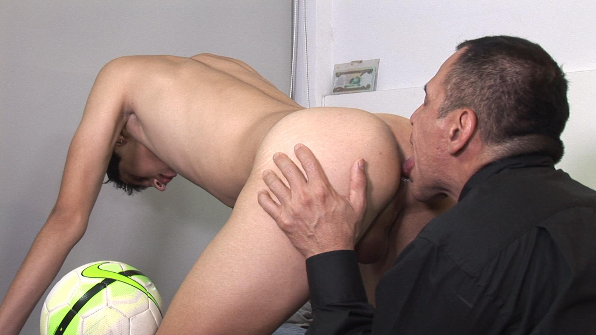Bareback-Me-Daddy-Gay-Priest-Fucking-A-Student-13 Getting Barebacked By An Older Catholic Priest While In Boarding School